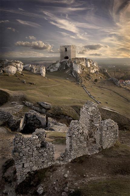 Olsztyn Castle by Lukasz Jakobczyk